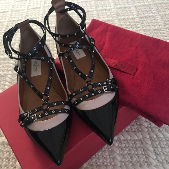 2e6bd952528 Valentino Love Latch Ballerina Flats. M 5c6359bd819e90133fe238cb